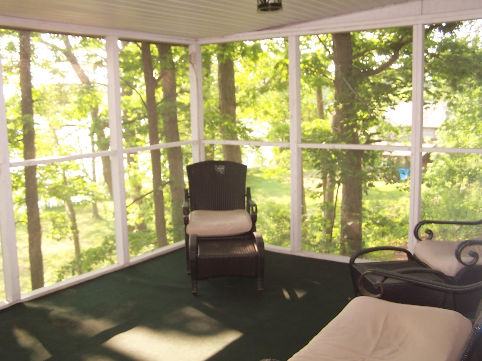 The breeze on the screened porch cannot be beat!