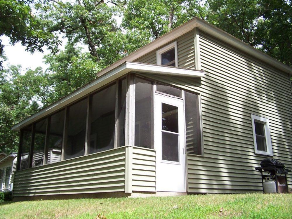 Screened porch Cottage E
